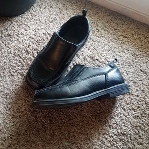Toddler boys dress shoes.